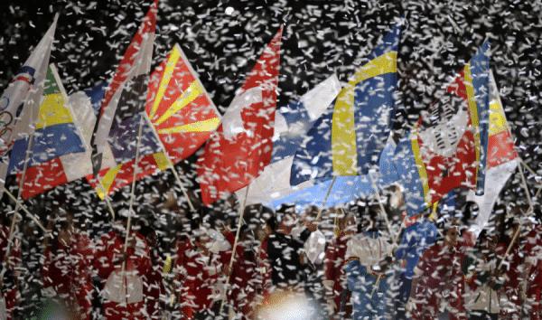 efecto confeti banderas