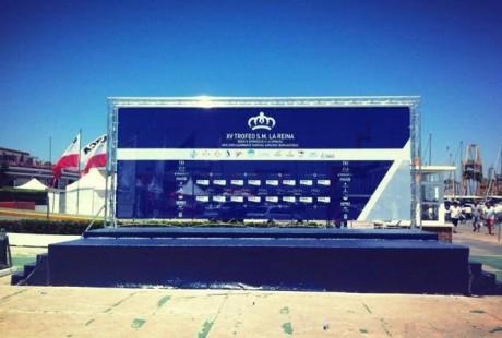 escenario moqueta azul y trasera maritimo RSM